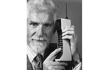 Martin Cooper, le créateur du téléphone portable